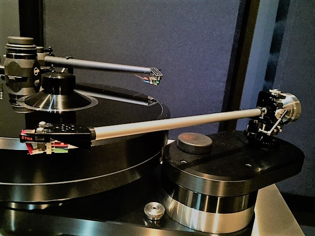 Multiple Tonearms Setup on Single Turntable and Ease of Use