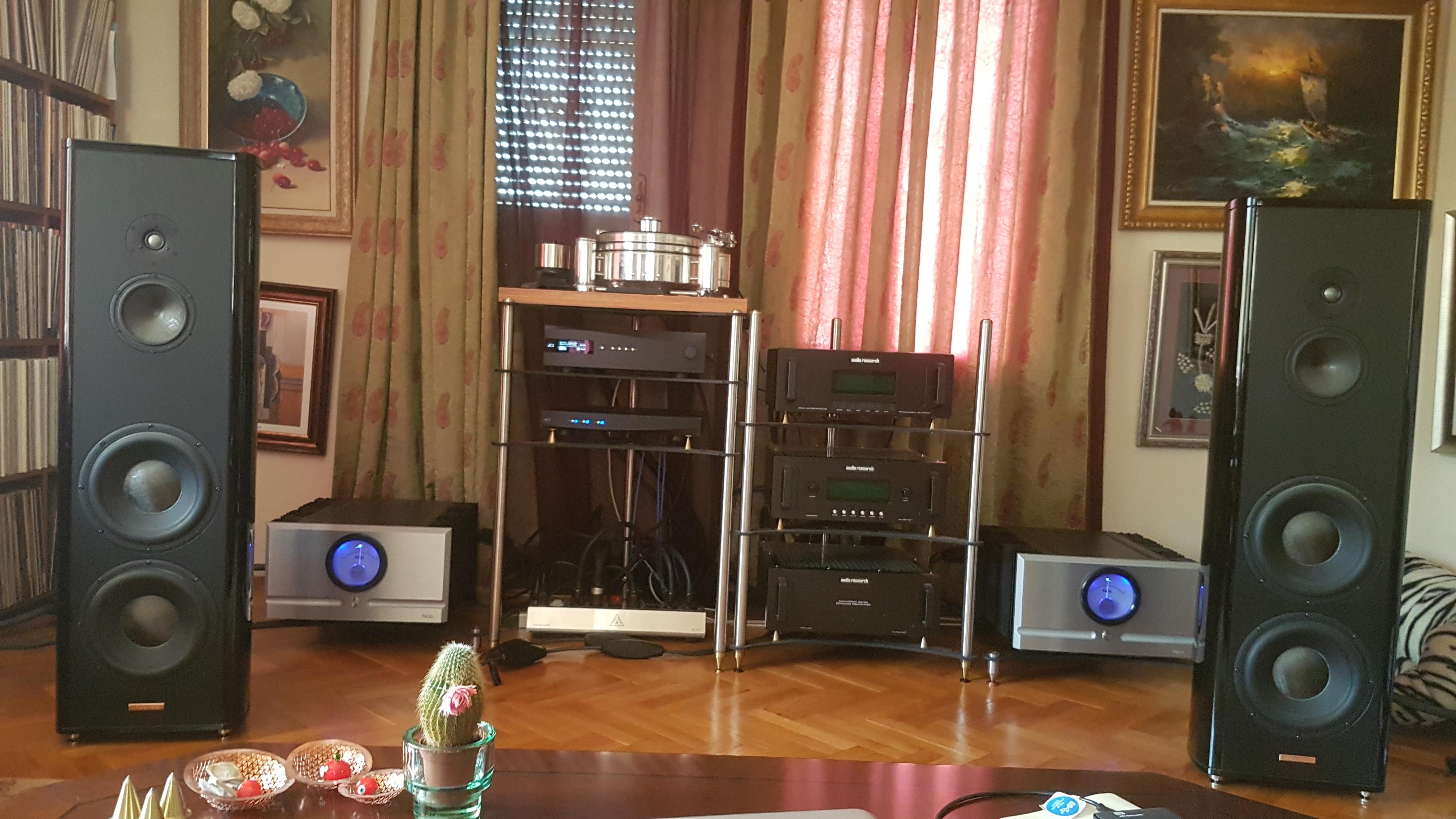 Pass Labs XA160 8 Monoblocks - Audionirvana org